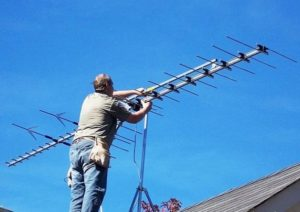 Установка антенны рабочим