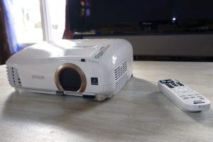 Epson проектор, подключение по Wi-Fi
