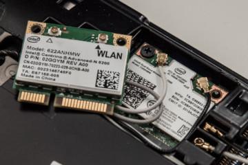 Внешний вид стандартного встроенного вай-фай адаптера для ноутбука