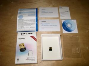 В комплект входят инструкция и диск с драйверами